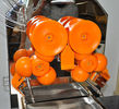High Output Automatic Orange Juicer Extractor With Auto Feed Hopper