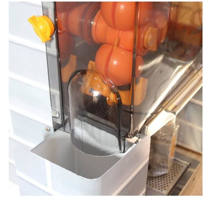 High efficiency Stainless Steel Automatic Orange Juicer Machine Anti Corrosion