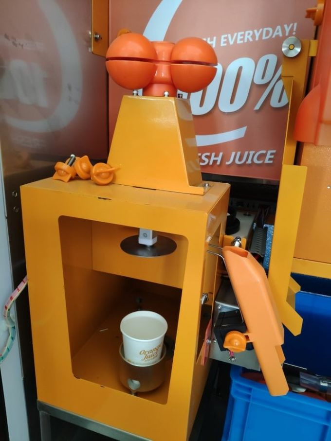 Credit Card Currency Auto Industrial Fruit Juice Dispenser Machine With Cleaning System